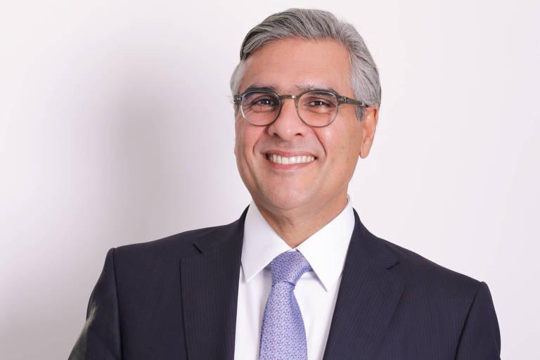 Eduardo Serur - Sócio-fundador do escritório Serur Advogados, é mestre em direito comercial pela UFPE e doutor pela Universidade de Lisboa