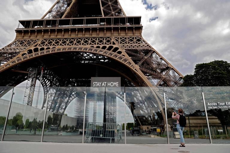Torre Eiffel é protegida em lockdown na França