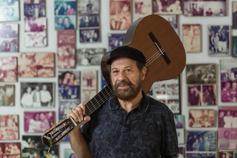 Retrato do musico João Bosco em sua casa, no Rio