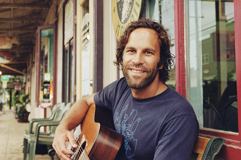 O cantor, compositor e surfista Jack Jonhson
