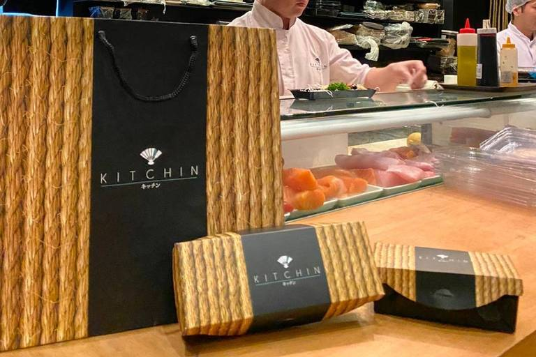 Embalagem para delivery do restaurante japonês Kitchin