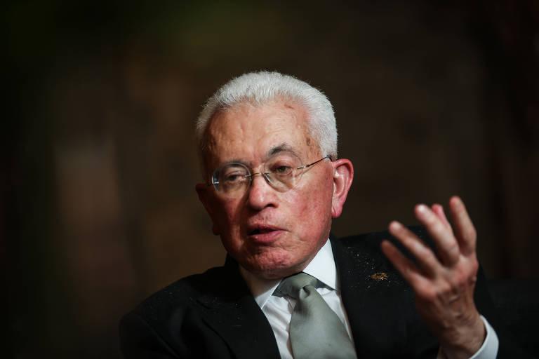Brasil tem que renovar agenda e ousar para ser grande, diz Mangabeira