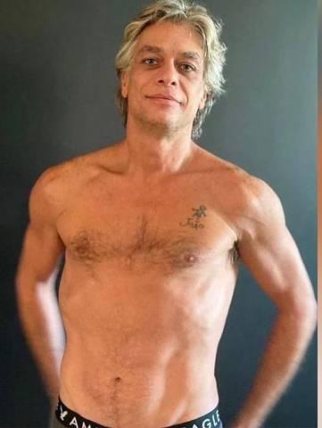 O ator Fábio Asdsunção fica sarado para novo personagem em