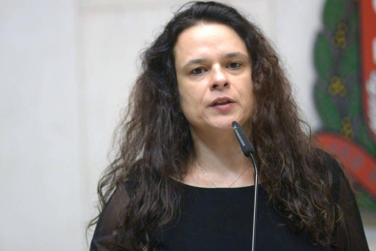 Janaina mantém um pé no bolsonarismo enquanto busca 3ª via e mira candidatura ao Senado