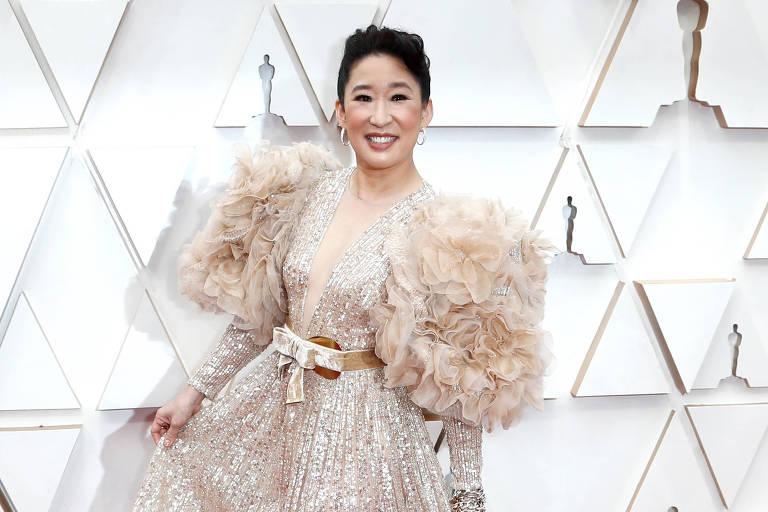 Sandra Oh no tapete vermelho do Oscar