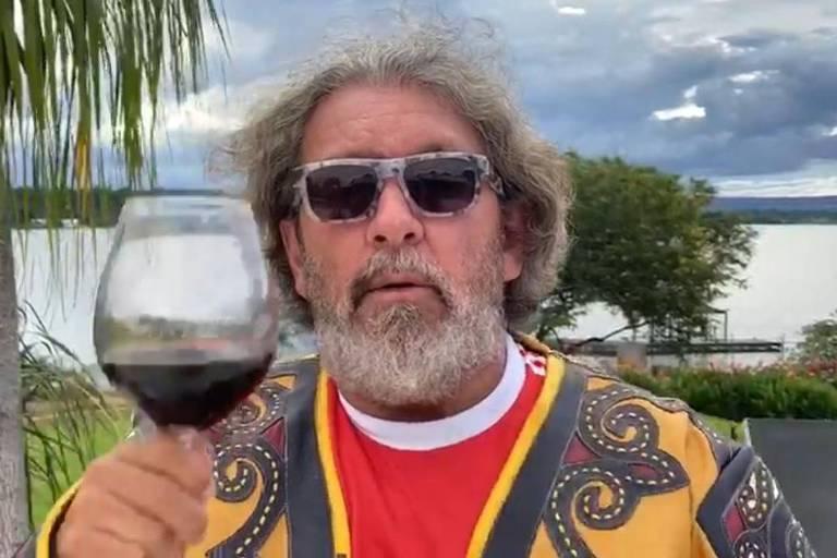 O advogado Antônio Carlos de Almeida Castro, conhecido como Kakay, em sua casa