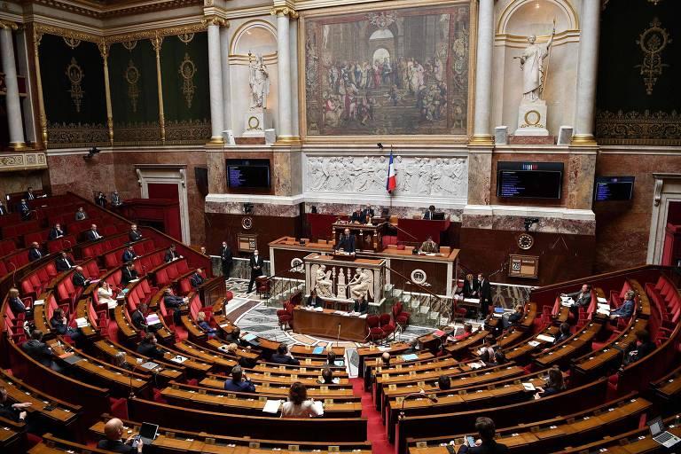 O primeiro-ministro da França, Edouard Philippe, apresenta plano de desconfinamento ao Parlamento, em Paris