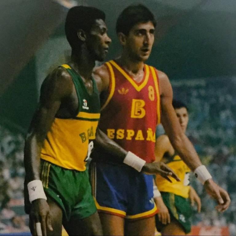 Gerson marca jogador espanhol