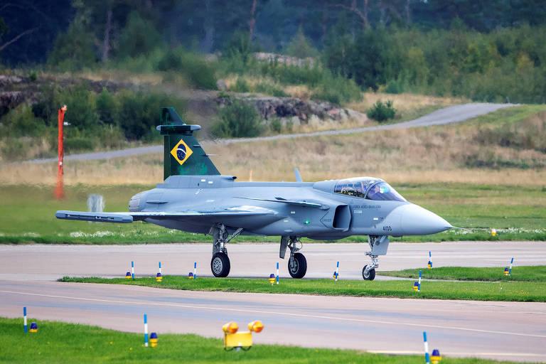 Primeiro Gripen da Força Aérea Brasileira é apresentado em Linköping, na Suécia, em setembro