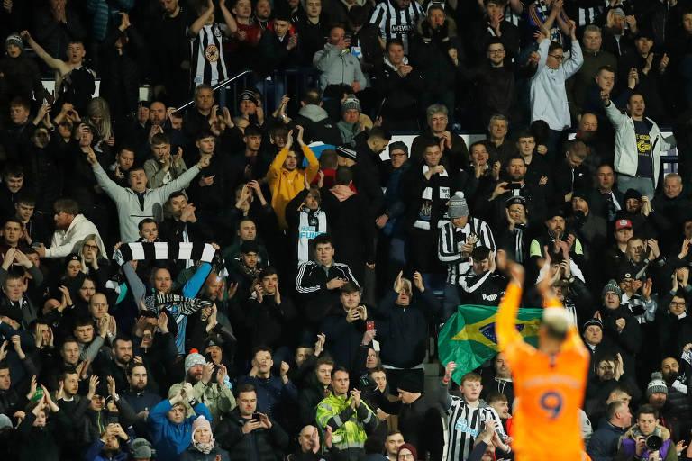 Torcedores do Newcastle ao final da partida contra o West Bromwich Albion