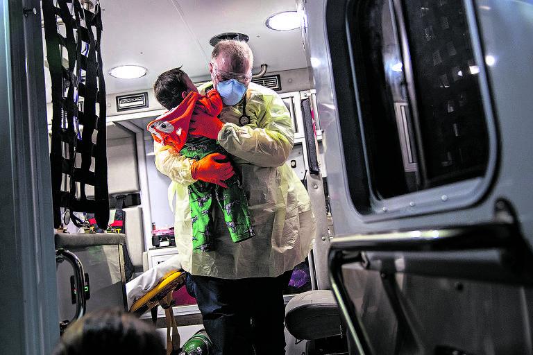 John Moore fotografa pandemia de coronavírus nos EUA