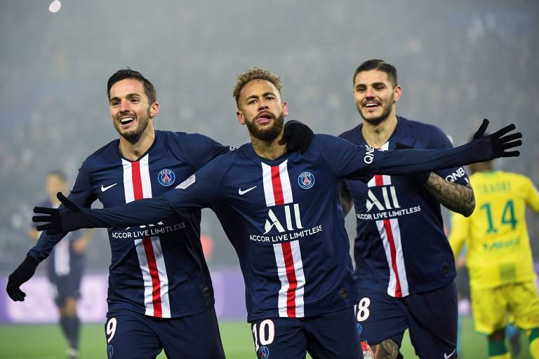 Neymar comemora gol do PSG contra o Nantes, pela atual temporada da Ligue 1