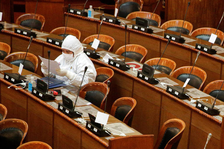 Congresso da Bolívia promulga lei que determina eleições até agosto, contra vontade de Añez