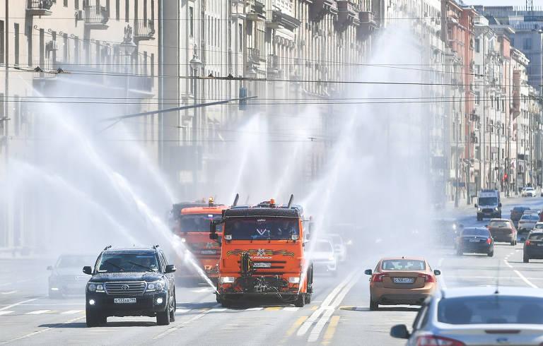 Motoristas de vans escolares protestam em SP; veja fotos de hoje