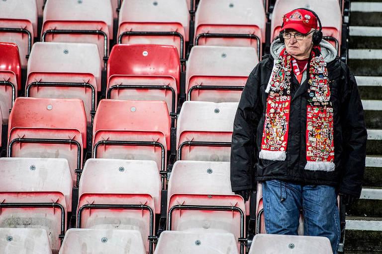 """Torcedor do Sunderland em imagem da série """"Sunderland Até Morrer"""""""