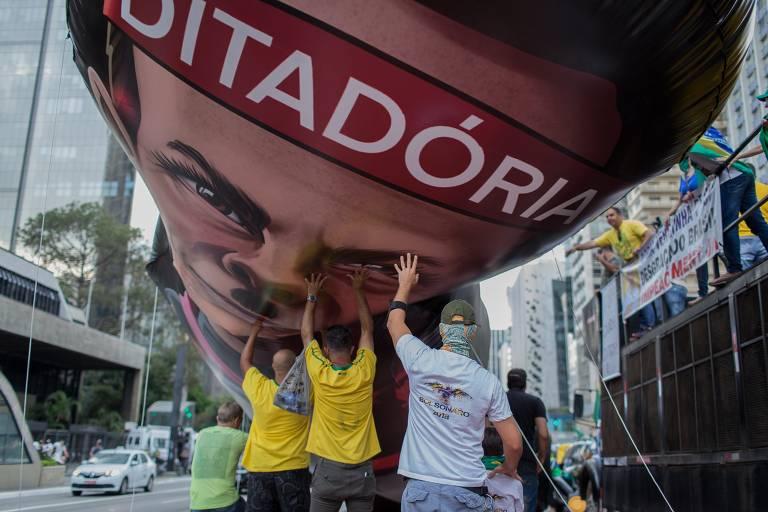 Apoiadores de Bolsonaro protestam contra Doria em São Paulo; veja mais fotos de hoje