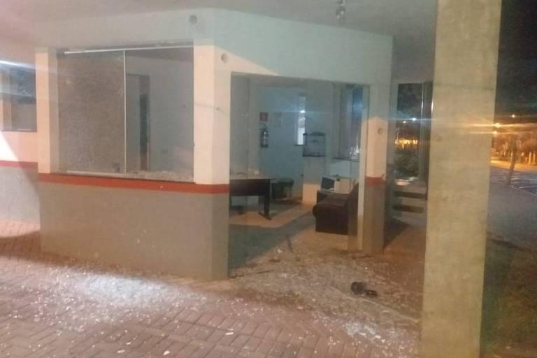 Base policial no centro de Ourinhos foi atingida por tiros