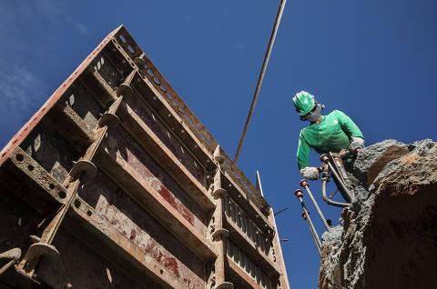 Material de construção some e empresários já veem atrasos em obras
