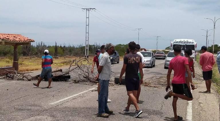Ilha Margarita, na Venezuela, enfrenta falta de água e saques
