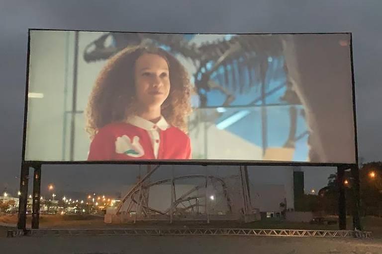 Teste de Cine Drive-In feito em parceria da rede Cinesystem com o Litoral Plaza Shopping, na Praia Grande, em São Paulo