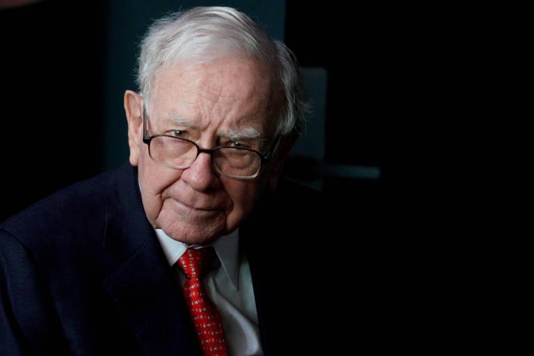 Warren Buffett, presidente da Berkshire Hathaway; executivo optou por não reinvestir o dinheiro em caixa da companhia