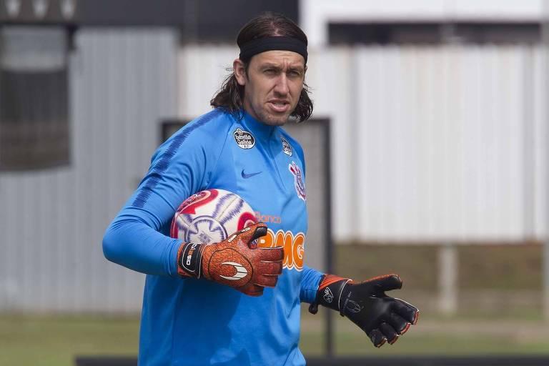 O goleiro Cássio participa de treino do Corinthians
