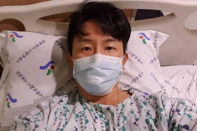 Ho Song no hospital onde ficou internado por 19 dias em Seul, na Coreia do Sul
