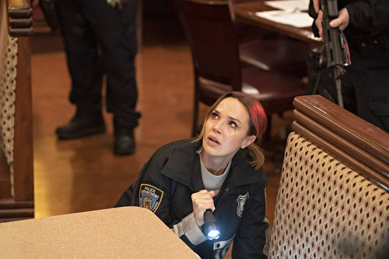 "Arielle Kebbel como Amelia, em ""Lincoln Rhyme"""