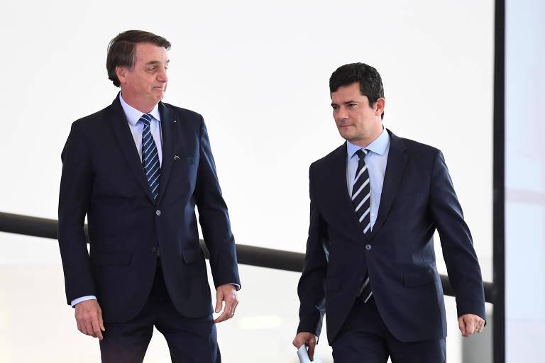 Bolsonaro caminha com Sergio Moro
