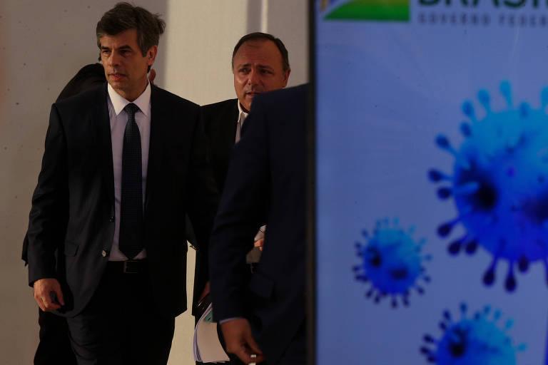 O ministro da Saúde Nelson Teich com o secretário executivo Eduardo Pazuello no Palácio do Planalto