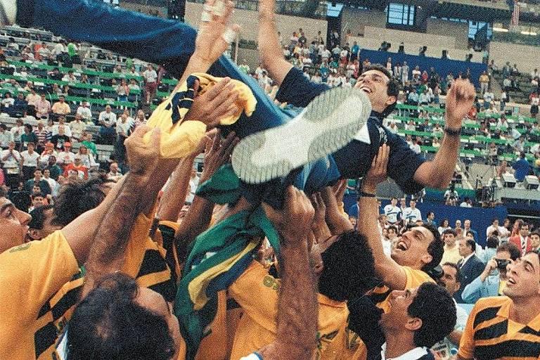 Marco do vôlei brasileiro, campanha do ouro em 1992 ganha reprise