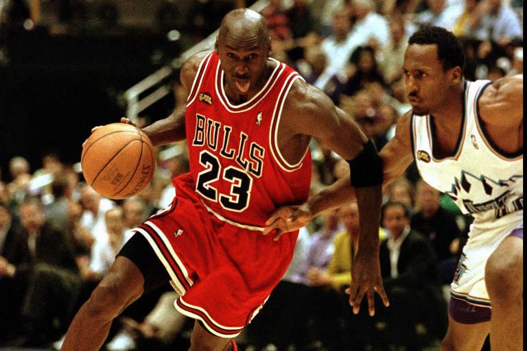Michael Jordan enfrenta o Utah Jazz em sua última final de NBA, em 1998