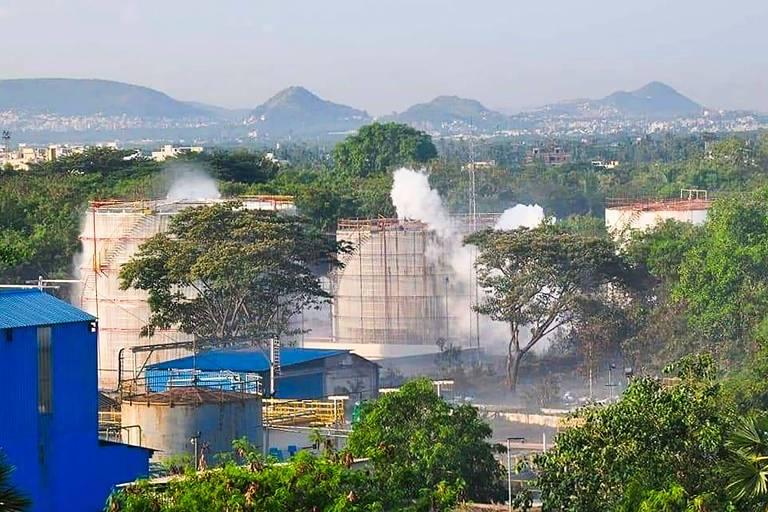 Fábrica da LG Polymers em Visakhapatnam, na Índia, após vazamento de gás