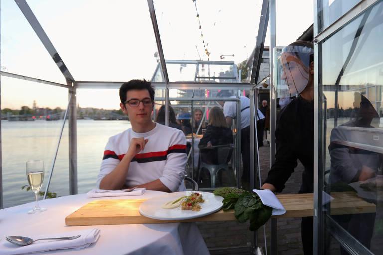 Restaurante da Holanda testa modelo com isolamento