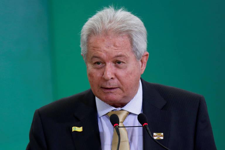 Presidente demissionário do Banco do Brasil, Rubem Novaes