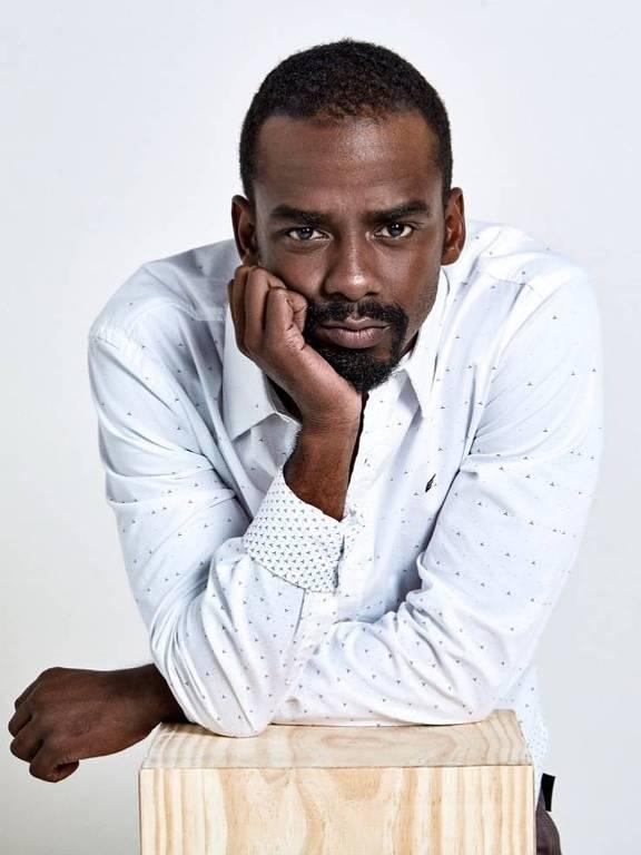 Imagens do ator Raphael Logam