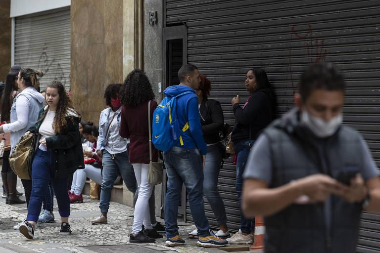 Primeiro dia de uso obrigatório de máscaras na cidade de São Paulo