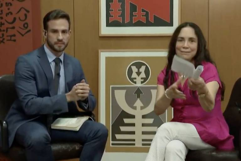 Regina ganha sobrevida com Bolsonaro após minimizar ditadura e dar chilique