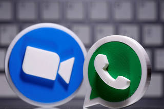 3D printed Whatsapp and Zoom logos