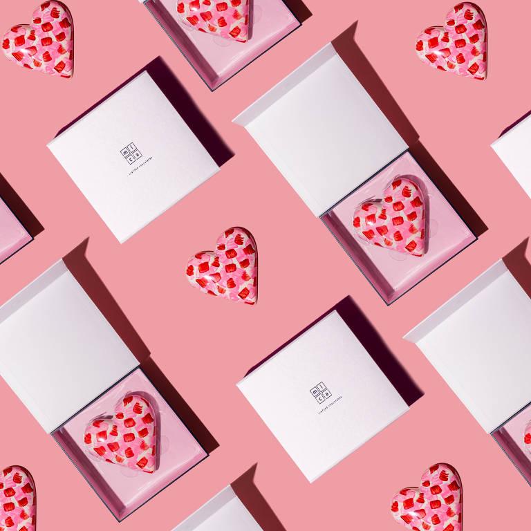 A chocolateria Mica sugere chocolate em formato de coração e recheado de marshmallow para o Dia das Mães
