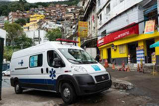 AMBULÃNCIAS EM FAVELAS DO RIO