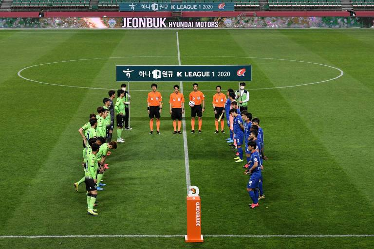 Futebol volta na Coreia do Sul