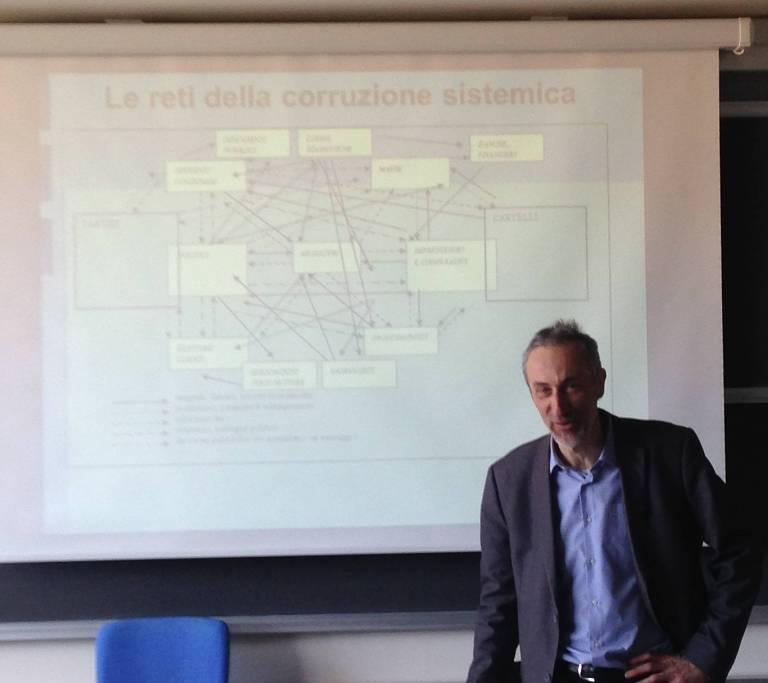 O cientista político italiano e especialista em corrupção e na Operação Mãos Limpas Alberto Vannucci, professor da Universidade de Pisa, na Itália
