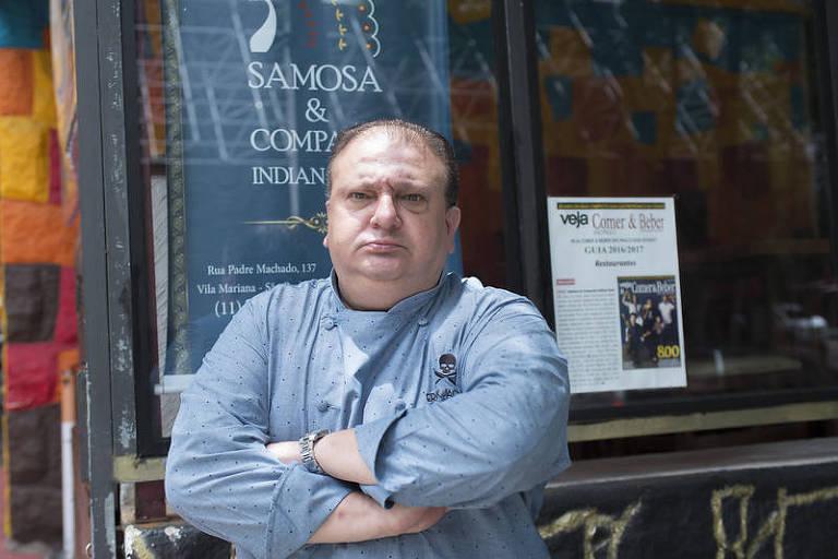 Erick Jacquin ajuda o restaurante Samosa & Company no sétimo episódio da primeira temporada de Pesadelo na Cozinha