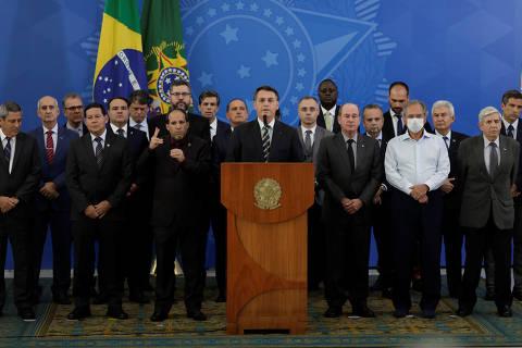 67% rejeitam aproximação de Bolsonaro com o centrão, diz Datafolha