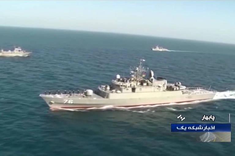 Fogo amigo atinge navio militar do Irã e deixa 19 mortos e 15 feridos