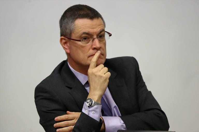 Governo Bolsonaro barra diretor-geral da PF de Moro e nomeia delegada para adida em Portugal