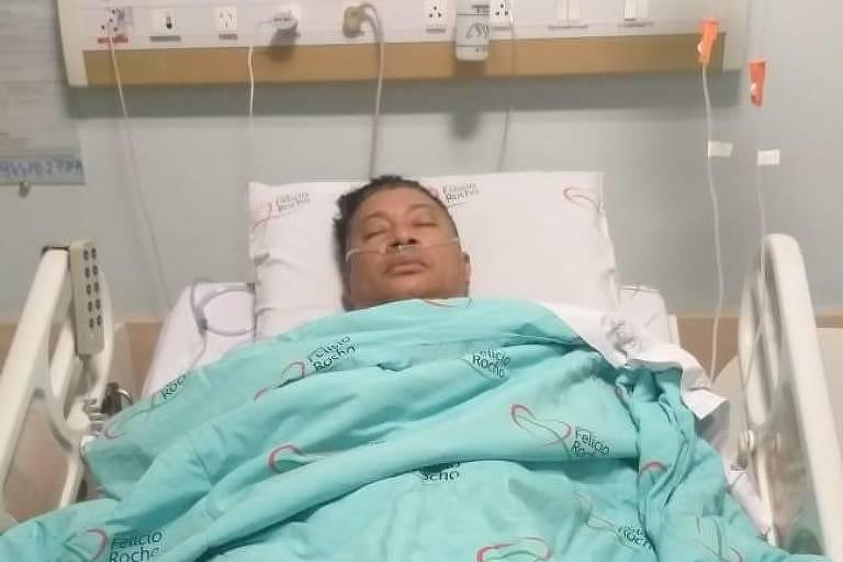Pedro Manso no hospital, após cirurgia para retirada de um dos rins
