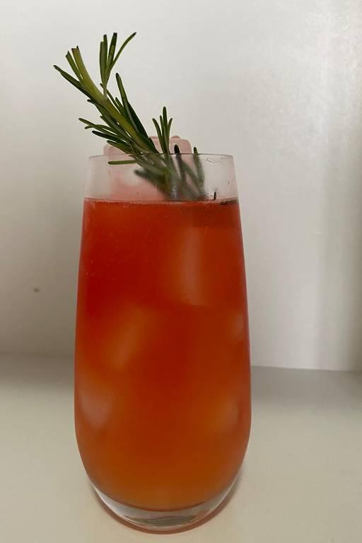 Drinque Ponche Dixe, de Márcio Silva, do Guilhotina