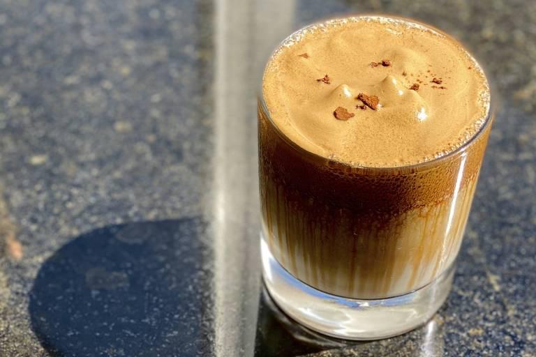 Drinque Kentucky Pop Coffee, de Alex Ferrer, do Térreo Bar